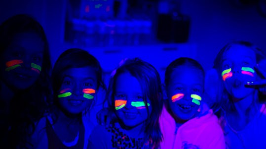 Kid's Party Ideas - Glow Party