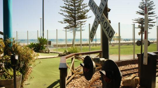 The Beachouse Adelaide - Mini Golf